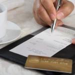 クレジットカードでチップを払う方法