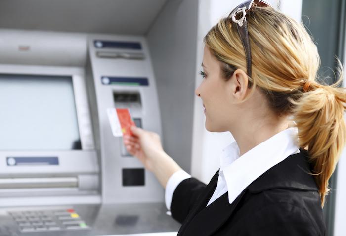 海外旅行にはクレジットカードが必須です。海外旅行傷害保険が自動付帯のおすすめクレジットカード-04